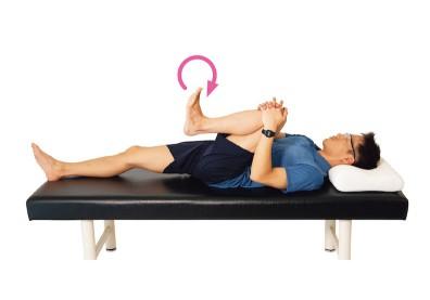 早上醒來就能做!促進關節靈活度與血液循環的動態伸展操