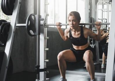 熱愛運動女性注意!腰背疼痛、頻尿…重訓使骨盆底肌受傷?