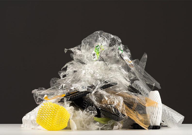 一年耗用22.7億件塑膠品!為什麼台灣減不了塑?