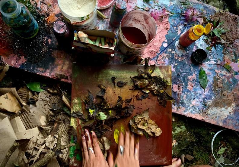 墨西哥藝術家搞「蠟筆外交」,在陽明山做台灣的畫