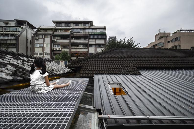 爬上屋頂,享受屬於自己的一片天。 圖片來源:生活實驗所