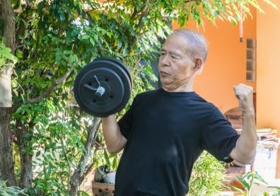 銀髮族肌肉流失發生肌肉無力的改善
