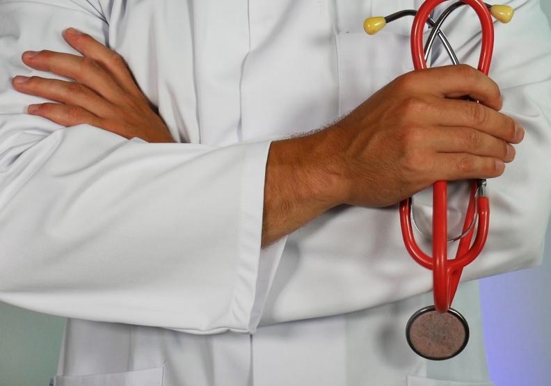 做中學是臨床醫學的基礎。圖片來自unsplash