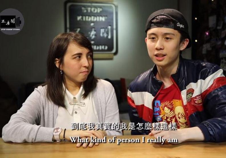 《不要鬧》邀孫安佐做人物訪談,Johnny認為他面對輿論壓力表現很超齡。截圖:Youtube《不要鬧》