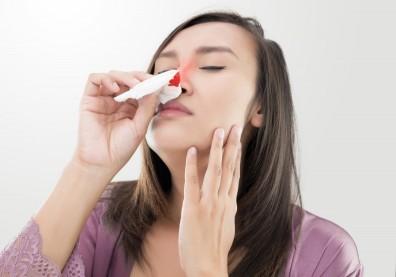 秋天莫名流鼻血!口乾舌燥少元氣,中醫師推薦你喝這一味緩解症狀
