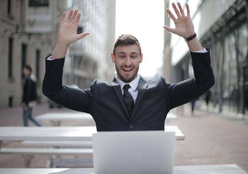 如果換工作讓你開心、自在。不妨一試!圖片來自pexels
