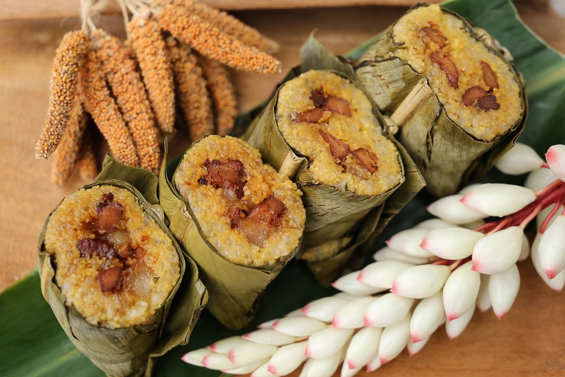 部落族人以小米為主食,金崙部落「祈納福」是原民部落傳統美食之一,使用糯米、小米包豬肉等餡料,只要是部落的小米收穫祭或是接待貴賓,一定會準備祈納福招待。