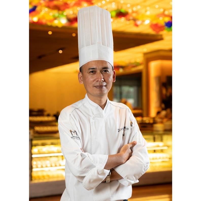 美福大飯店彩匯自助餐廳主廚謝金龍。