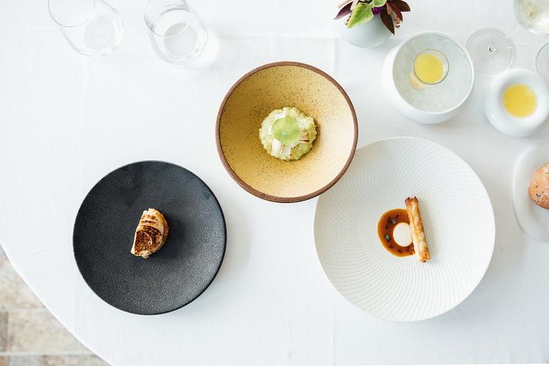 2020第三屆臺東慢食評鑑三星得主「Sinasera 24」法式餐廳料理,導入24節氣與食補概念,視覺、味蕾與香氣兼具。