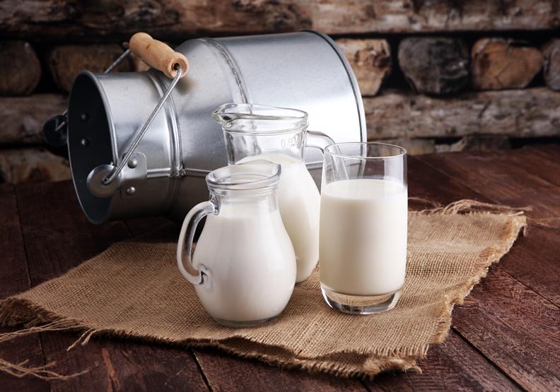 即使牛奶蛋白作為可食用包裝,不管是在實用性上或是營養的補充層面上看似前途一片光明,但相對其未來最需要面對的就是過敏原與法規的適用性。僅為情境配圖,取自shutterstock。