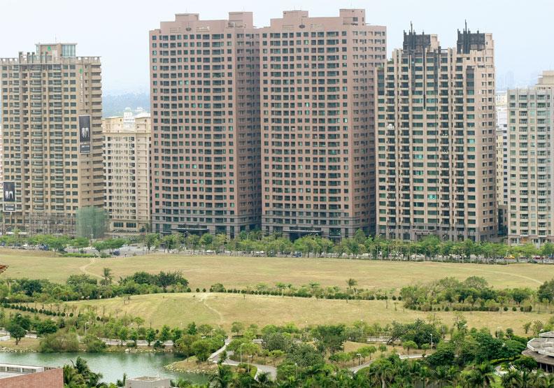 高樓建案享有景觀優勢。陳柏年攝