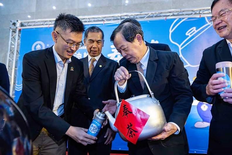 國營事業中油也帶旗下通路響應奉茶運動。(圖片提供:奉茶)