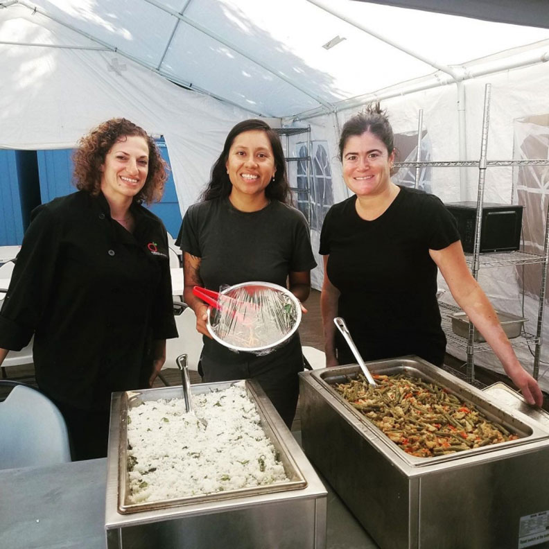 Food Shift 的外燴生意主要替社區服務,每週他們都會為另一青年就業支持組織 YEP 準備健康的餐點。來源:Food Shift Instagram