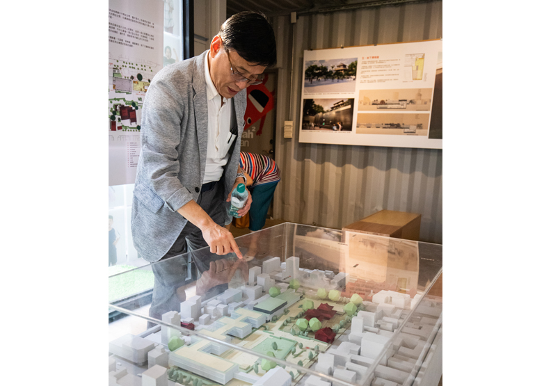 名中注定做建築,陳百棟在學生時代就曾在事務所做學徒,21歲北上,在許多建築公司累績豐碩經驗後,決定在30歲獨資創業。