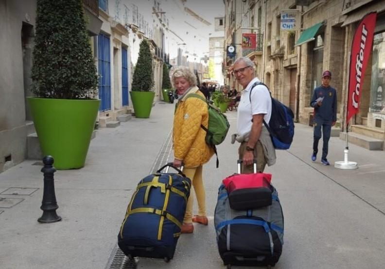「高年級背包客」走遍全球80國!這對夫婦賣掉房子享受人生下半場