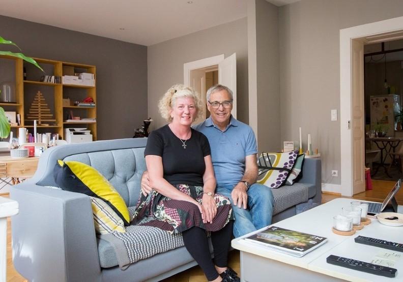 2017年7月,夫婦倆在法國史特拉斯堡,度過了他們在Airbnb的第1,000個晚上。