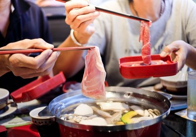 健康嗑鍋3撇步!營養師:看不見鍋底就是熱量太高