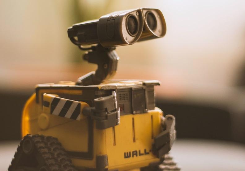 當許多人工作被機器人取代,失業的問題亟需重視。圖片來源Pexels