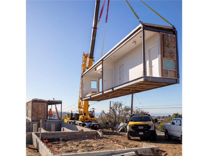 Connect Homes 模組化無家者庇護所的建造過程省錢又省時。來源:Connect Homes 粉絲專頁