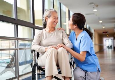 全台第一間老人醫院2025誕生!結合AI導入醫療+創新照護模式