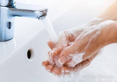 防疫勤洗手,指甲總長倒刺!原來不是缺維生素,而是缺水太乾燥