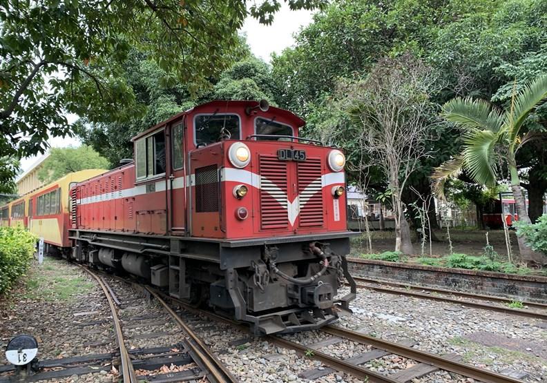 到嘉義搭阿里山小火車,體驗新一代「森林鐵道觀光」