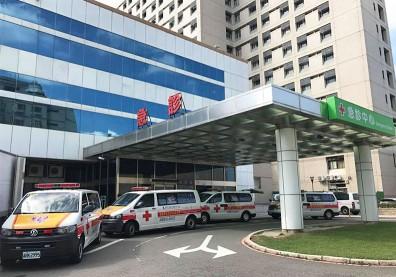 桃園醫院2醫3護群聚感染引爆爭議!封院真的是防疫最佳解方?