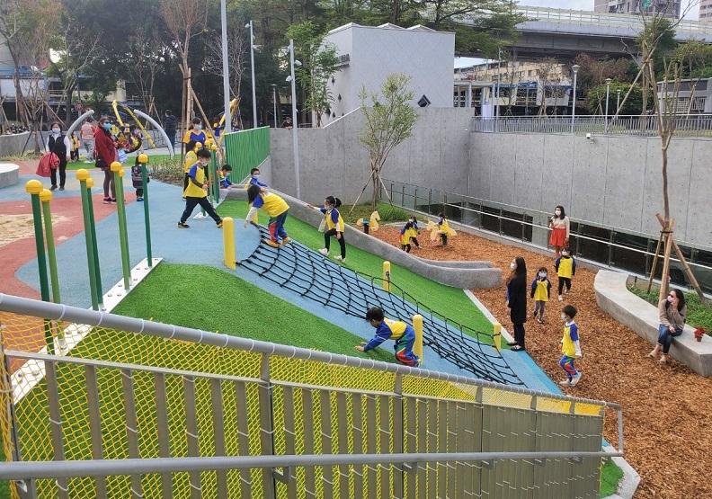 「升格十年.新北一百」新北市全齡、特色、共融公園,打造安居樂業幸福永續的城市
