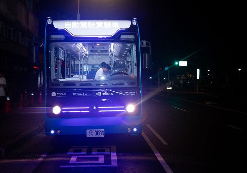 不只載乘客!台北無人巴士還要帶自駕車產業向前走
