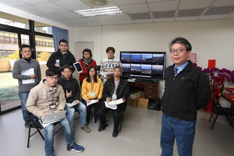 台中市環保局長陳宏益(右一)及工作團隊。