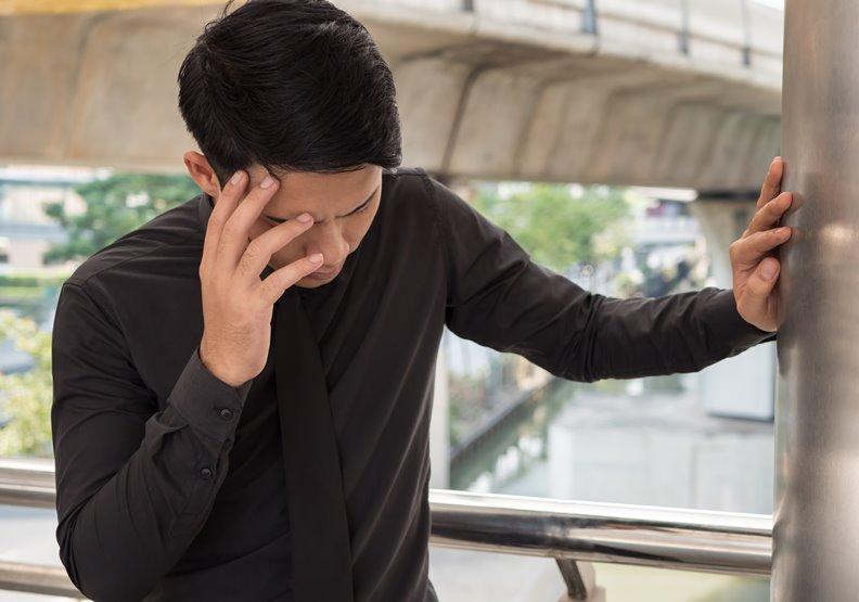 小心爆炸性頭痛、致死率高的腦動脈瘤!28歲腦中風藉神經介入解除危機