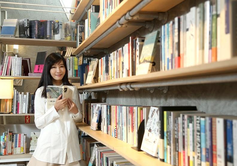 青鳥書店創辦人蔡瑞珊:選到錯的書,才是浪費錢!