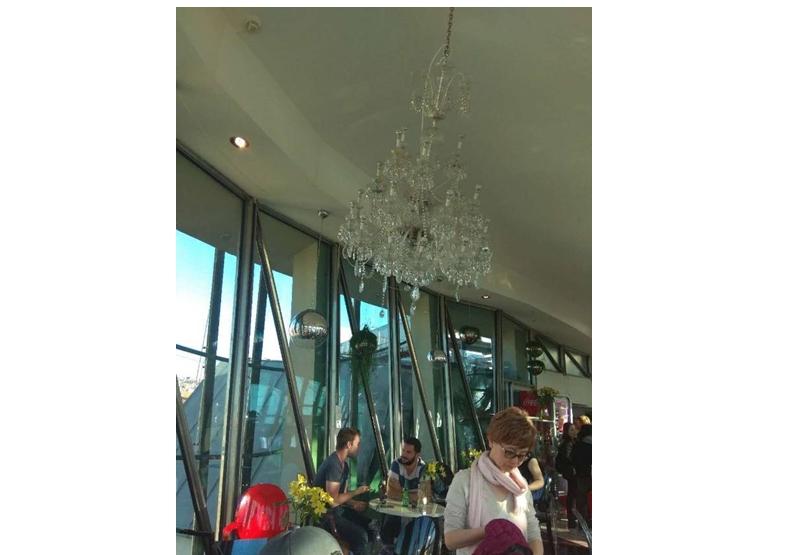 天花吊飾,圖片作者提供。
