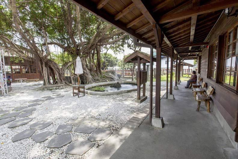 鐵道園區內保存著日治時期木造日式建築。取自花蓮鐵道文化園區FB