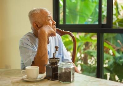 寂寞也是一種人生階段!老年人的寂寞取決於人際關係、生活品質和恢復力