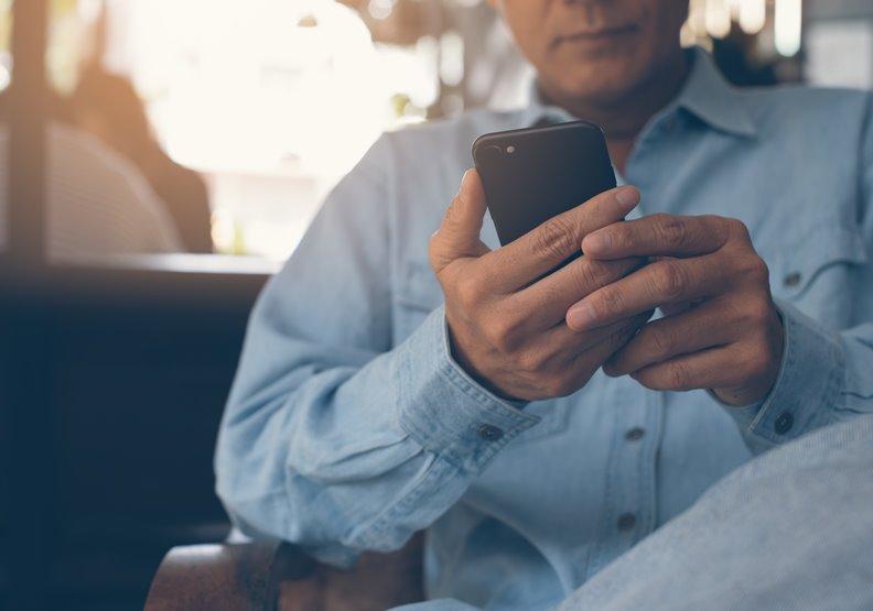 小心智慧型手機失智症!30~64歲每千人就有一人發病