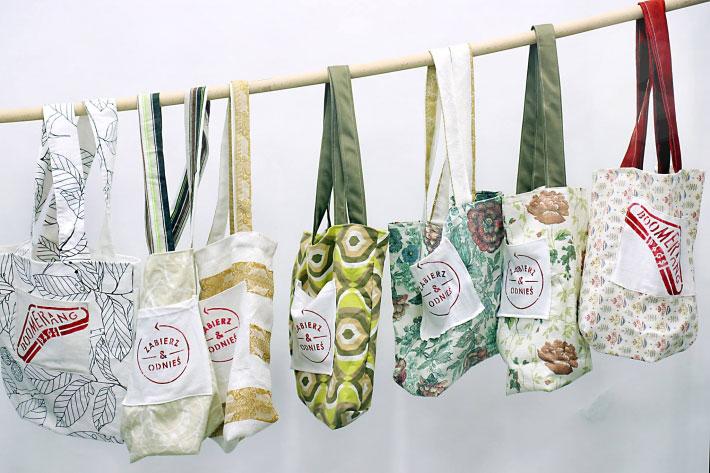 澳洲通路商與民間組織 Boomerang Bags 發起「出借購物袋」行動。圖片取自Boomerang Bags 粉絲專頁