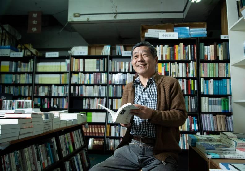 寧願斑駁也不裝修,唐山書店留下台灣舊時光