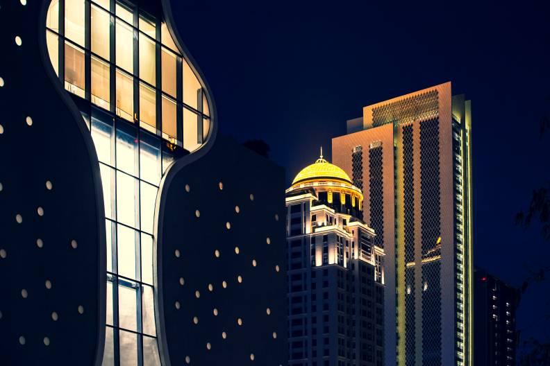 2009年聯聚信義大廈落成,璀璨的穹頂成為台中、也是七期的新地標。遠見資料