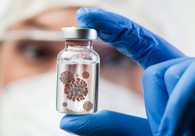 痊癒就會免疫?英國展開人體「挑戰試驗」,刻意讓康復者接觸新冠病毒
