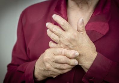 關節紅腫熱痛或晨僵!50+注意,小心罹患自體免疫性關節炎