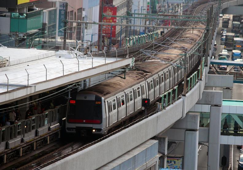 香港港鐵行駛外觀,圖片來自Wiki。