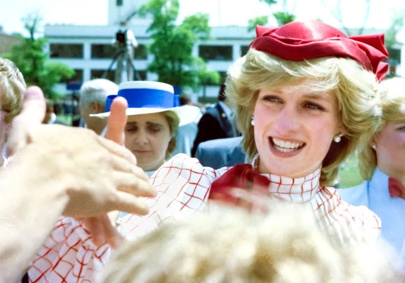 1995年黛安娜王妃曾接受BBC專訪,承認她的婚姻是場三人行。圖片來自Flickr by Russ Quinlan