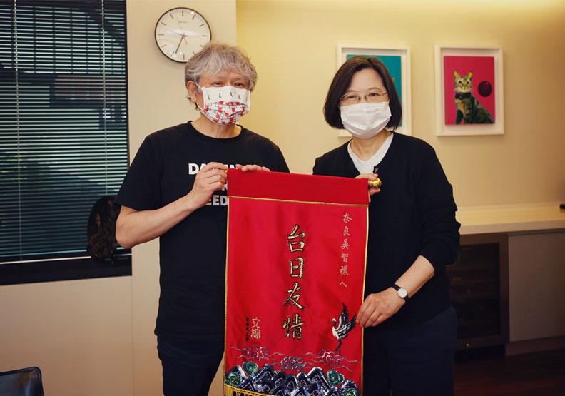 奈良美智親自來台布展,在311事件十週年之際別具意義。文化總會提供