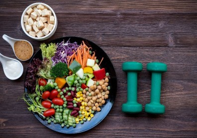 告別抽筋、肌肉痠痛先吃對!7大運動飲食Q&A,營養師一次解答