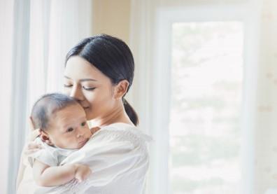 產後憂鬱症會影響寶寶發育!加國研究:媽媽進行心理治療,有助嬰兒大腦健康發展