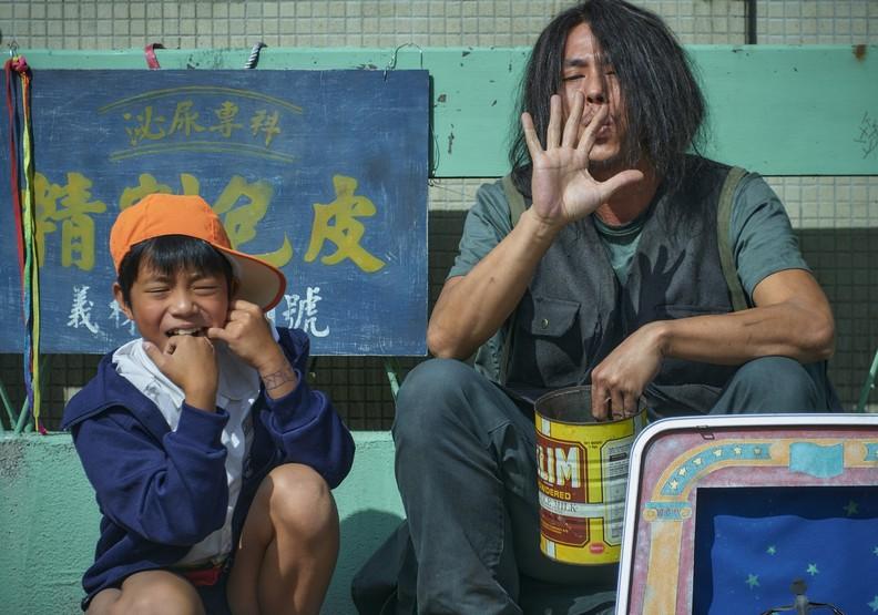 《天橋上的魔術師》為何如此出色?這五點讓中華商場世代感動