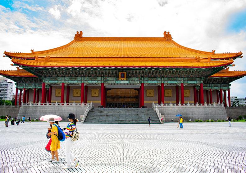 地小人稠的台灣,從歷史上說,就是一個要時時警惕、時時揮汗,耗費心血才能達到小康局面的地方。圖片來自pexels