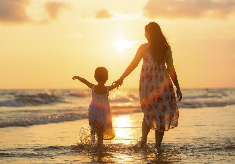 5月是母親過節的月分,盼望身為子女的我們,都別忘了在這個日子和媽媽說聲母親節快樂!圖片來自shutterstock