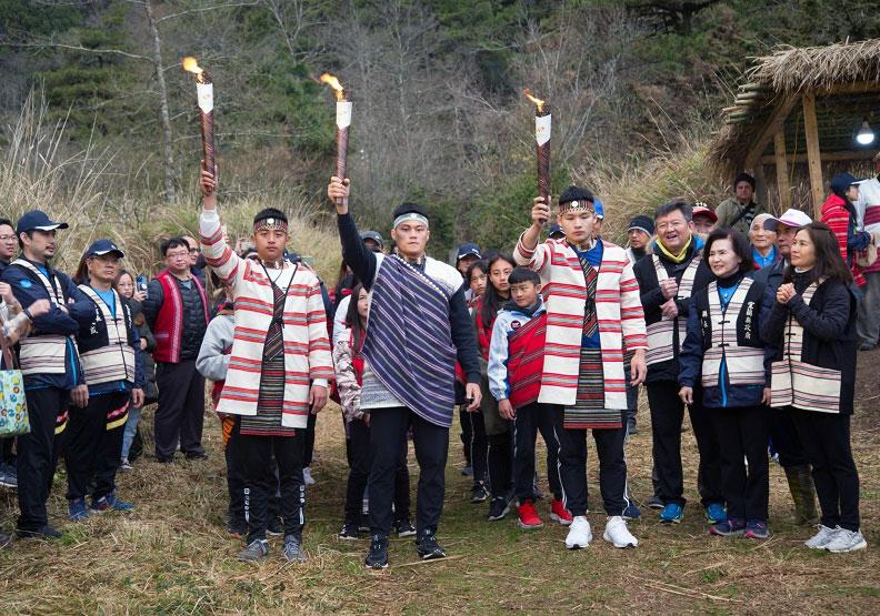 聖火在宜蘭大同鄉思源埡口取火,為期12天的聖火傳遞將至全國21縣。